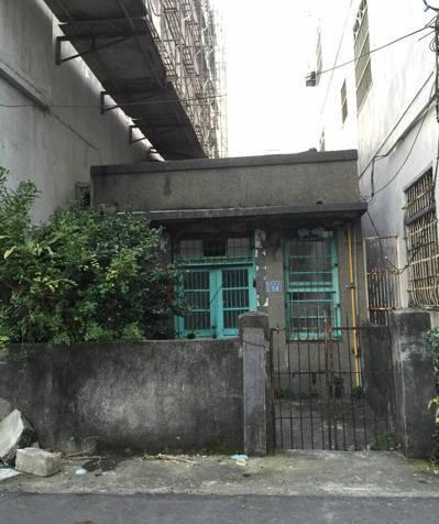 修繕前的集賢街54號老屋外觀。 圖/彭竹慈提供