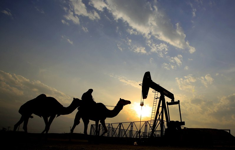 國際貨幣基金說,再不加速經濟改革,波灣產油富國的財富,可能會在15年內消失殆盡。  美聯社