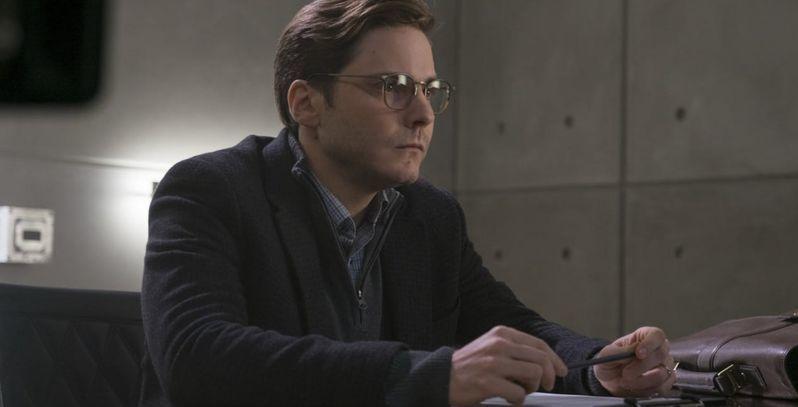 丹尼爾布爾在「美國隊長3:英雄內戰」飾演反派「澤莫」。圖/迪士尼提供