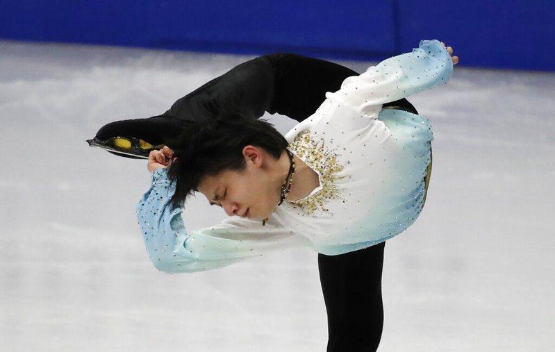 兩度冬奧金牌,25歲日本花滑王子羽生結弦,昨日在南韓首爾四大洲花式滑冰錦標賽再寫高分紀錄。 美聯社