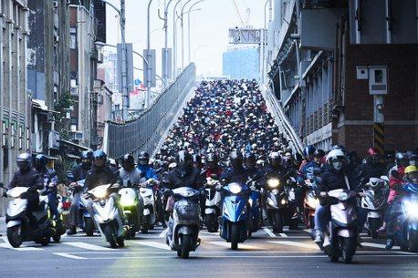 鼓勵汰舊換新!台北市、彰化、屏東等地「新購」電動機車0補助