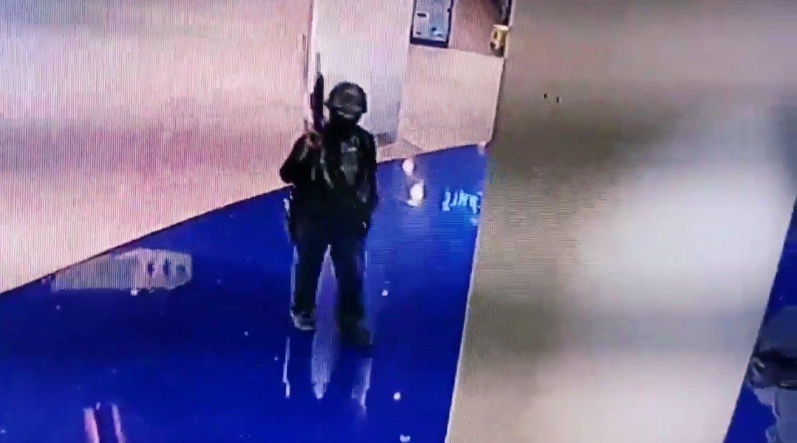 圖/Twitter:Terminal 21購物中心監視器