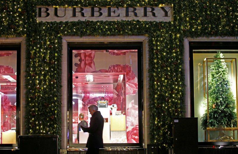 英國品牌Burberry稱,武漢肺炎疫情造成重大衝擊。路透