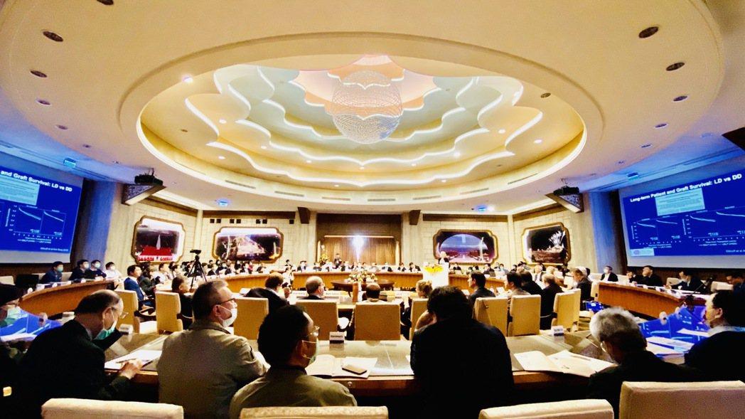 為期兩天的「國際活體肝移植研究會第四屆世界大會」,今天一早於高雄佛光山佛陀紀念館...