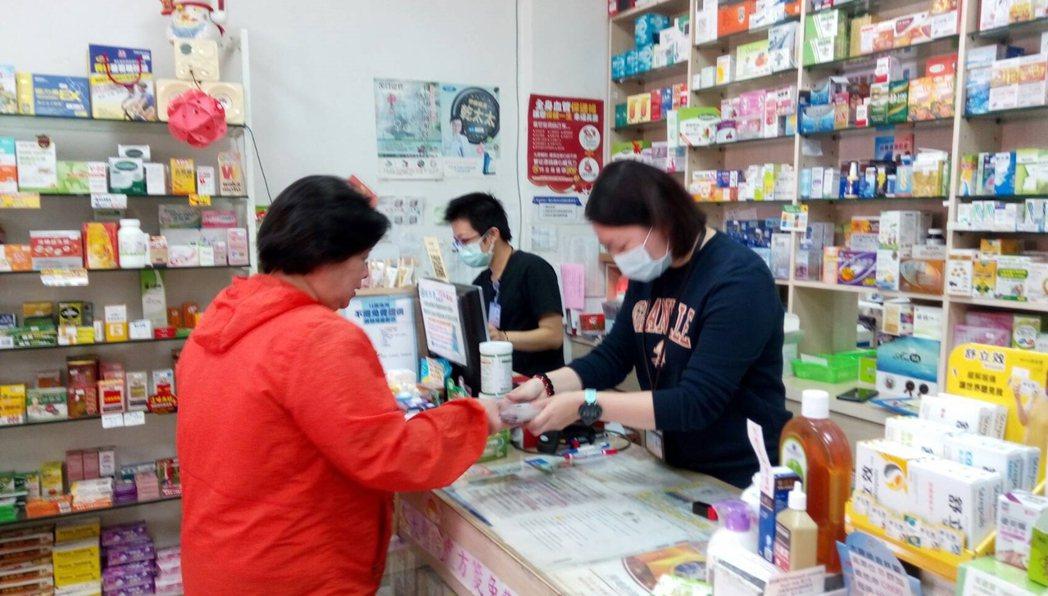 口罩販售採實名制上路,而一般購物會有發票,不過,財政部北區國稅局宜蘭分局指出,民...