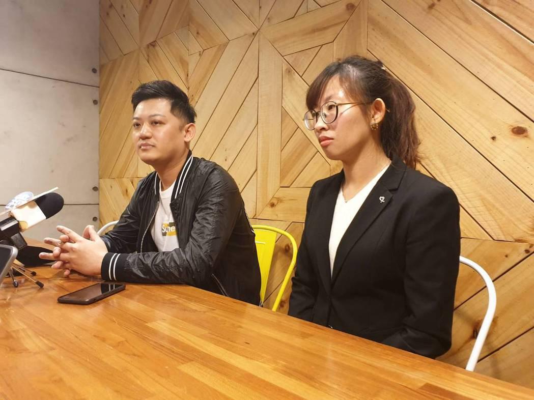 郭柏均在律師陪同下接受訪問。記者李姿瑩/攝影