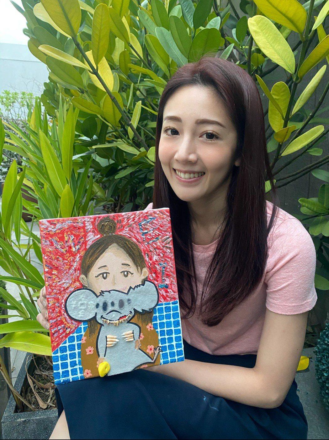 黃薇渟以自畫像為主題,搭配鼠年創作畫作參展。/球狀星團娛樂提供