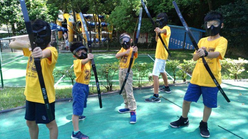 知本老爺寒假舉辦的小頭目活動營,讓孩子安全開心玩遊戲過寒假。記者羅紹平/攝影