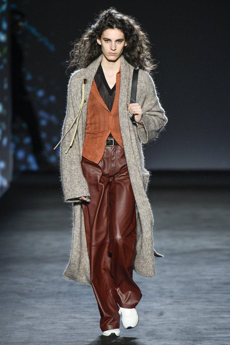 大衣、羊毛外套是rag & bone 2020秋冬服裝亮點之一。圖/rag & ...