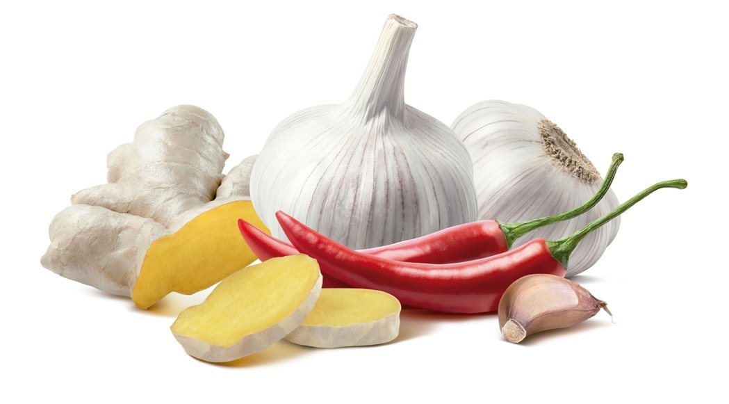 辛香料辣椒、薑、大蒜等辛香最好買一周能用完的分量,放置陰涼處,或以網袋壁掛保...