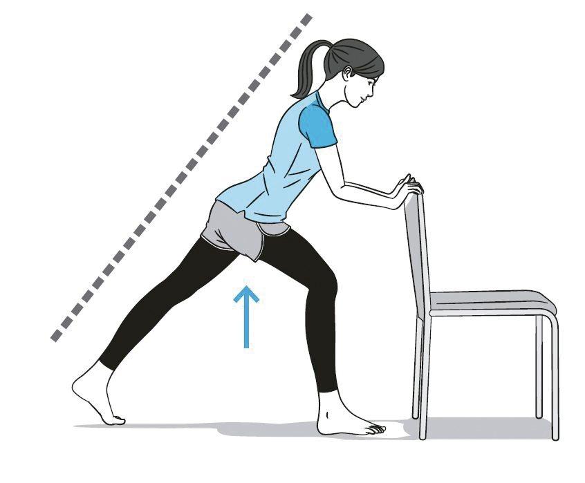 2維持體重落在前腳的姿勢,花4秒鐘將膝蓋打直後使腰部抬高。接下來,再花4秒鐘回到...