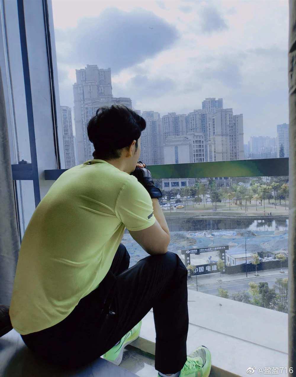 黃曉明自曝在飯店隔離中。 圖/擷自微博