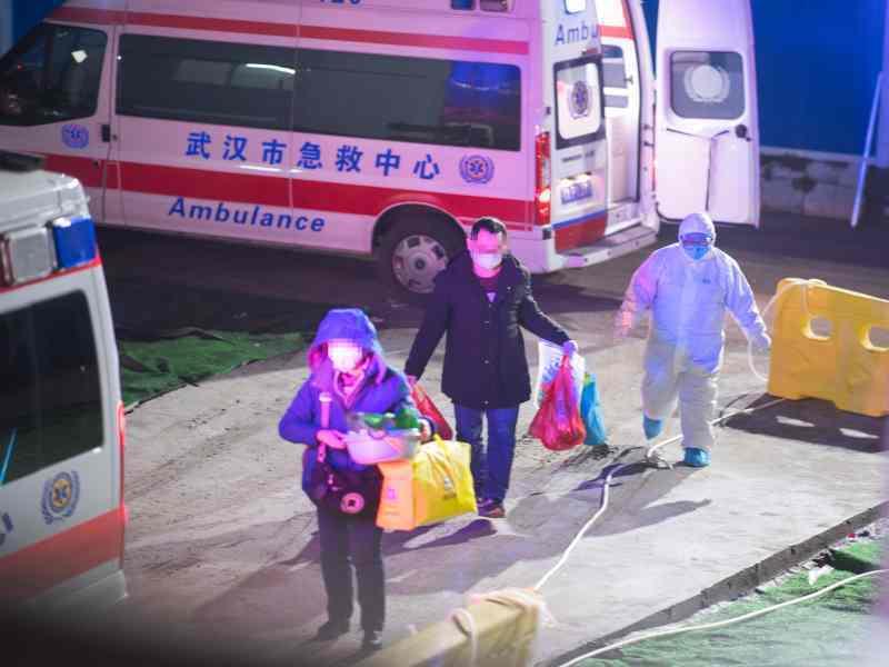 武漢雷神山醫院收治首批患者。新華社