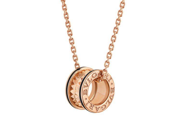 寶格麗B.zero1 Rock系列玫瑰金黑陶瓷三環項鍊,約91,700元。