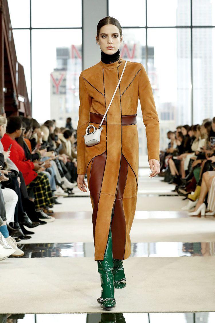 也有迷你型Le Pliage包款。圖/Longchamp提供