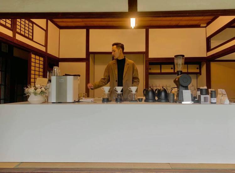 世界冠軍咖啡師王策繼台北首店後,即將前進新竹開設新店,地點就在「辛志平校長故居」...