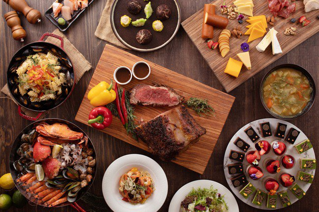 台北新板希爾頓酒店Market Flavor悅‧市集推出情人節一日限定特色餐飲。...
