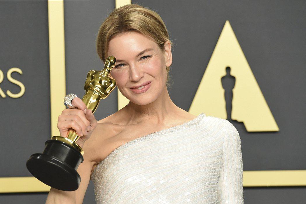芮妮齊薇格不負眾望,以電影「茱蒂」拿下第92屆奧斯卡金像獎最佳女主角。 圖/美聯