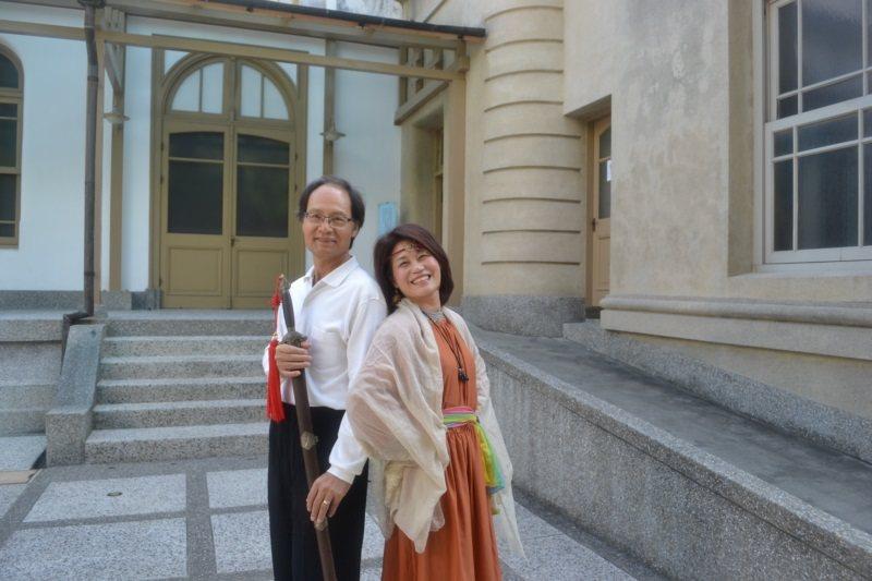 張鳳琴(右)、孫蜀南退休後,從學習中找到共同領域的語言,由夫妻成為同學、同好與戀...
