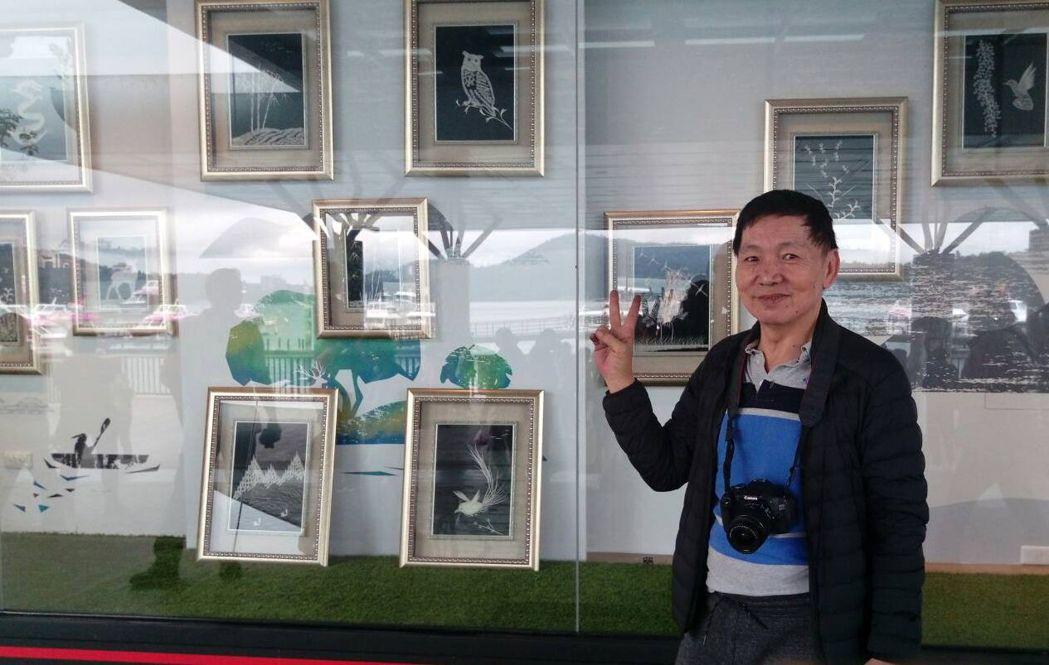 退警孫銘生的魚骨文創在日月潭邵族遊客中心展覽,讓魚骨重生。 圖/孫銘生提供