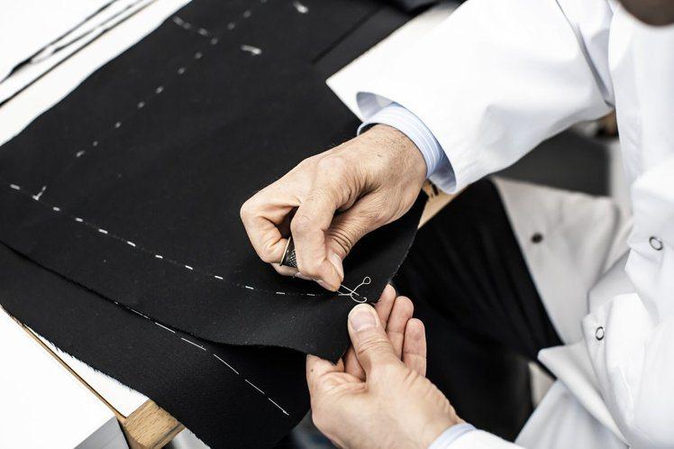 自1947年以來,Bar Jacket是品牌的永恆經典。圖/DIOR提供