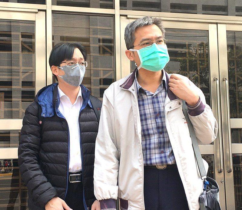 台大醫院整形外科醫師黃慧夫被控12年前手術過失,他因再審而獲判無罪,他請求刑事補償金24萬2千元,台灣高等法院今開訊問庭。記者王宏舜/攝影