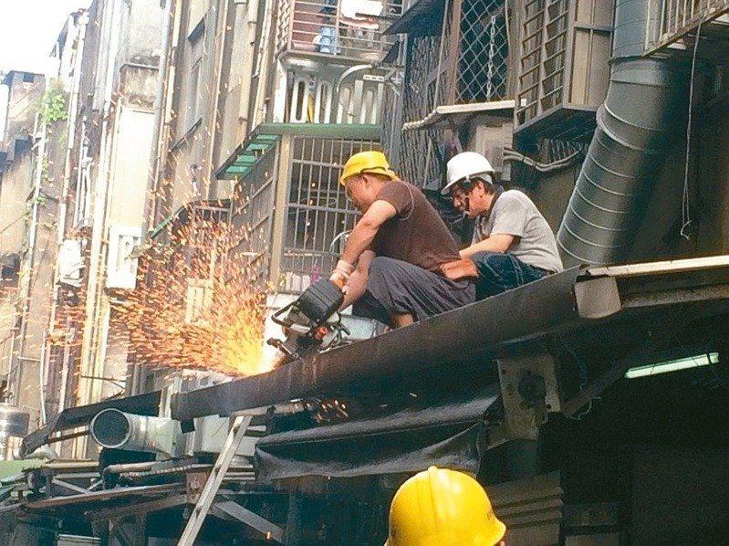 違建拆不完遭詬病,台北市設「違建爭議處理委員會」,不接受協調或會勘,新制10日上路。圖/聯合報系資料照片