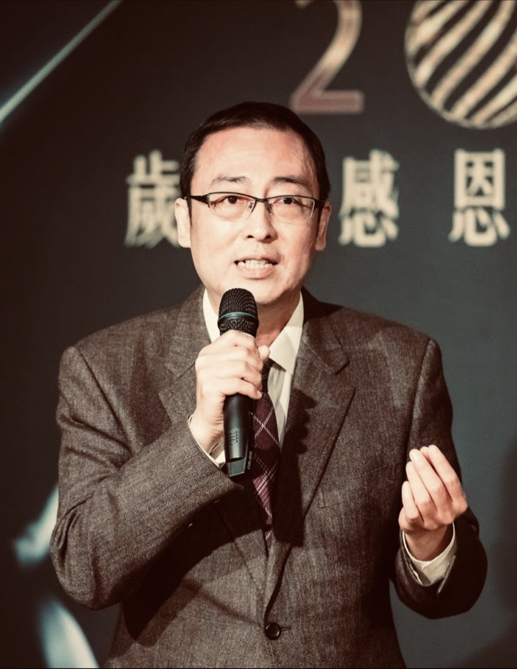 李兆麟醫師創作「防疫之歌」。圖/優美診所提供
