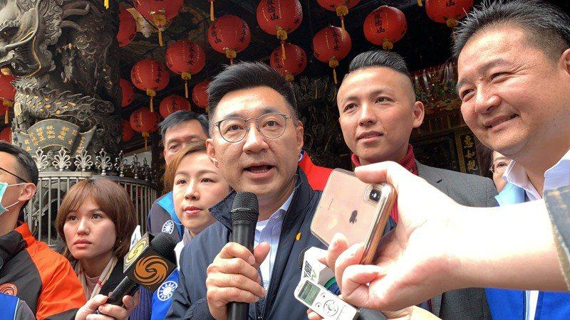 談到武漢新冠肺炎紓困條例草案,江啟臣說,希望在野黨認真提案跟建議,執政黨可以不要直接就說不。記者張曼蘋/攝影
