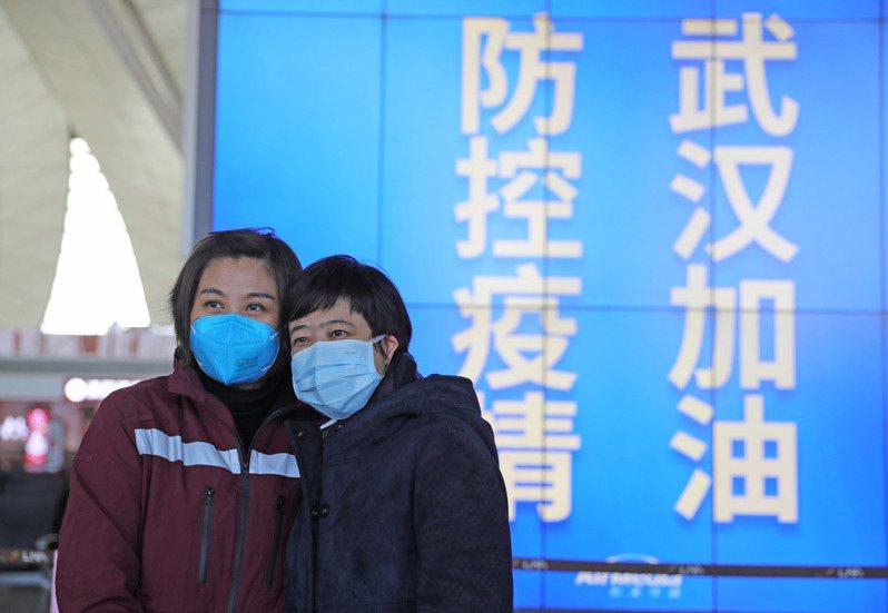 大陸研究武漢肺炎,只有約4成患者早期出現發燒。新華社