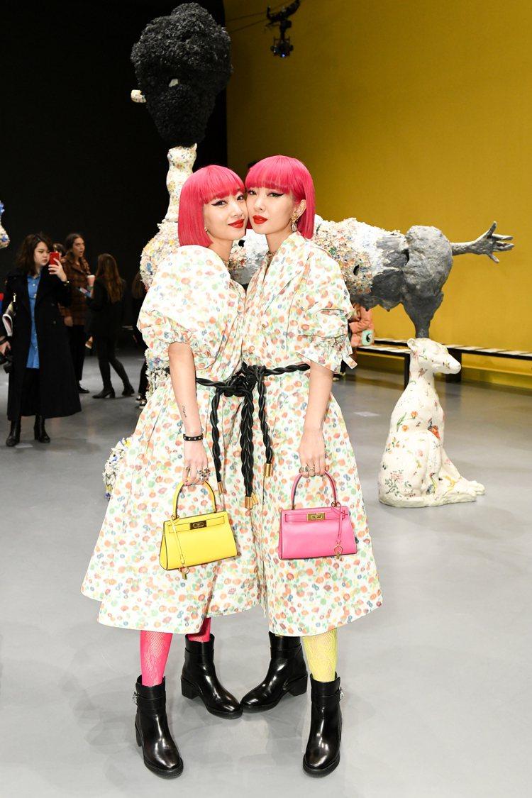 日本雙胞胎鈴木姊妹。圖/Tory Burch提供