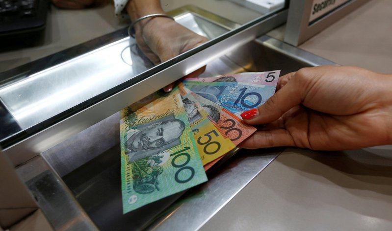 分析師預測,受武漢肺炎疫情影響,澳幣將延續貶勢,近幾周可能下探至1澳幣兌0.60美元。路透