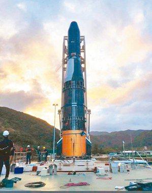 由國內民間晉陞太空科技公司自行研製的探空火箭,近期可望在台東南田試射升空。 圖/...