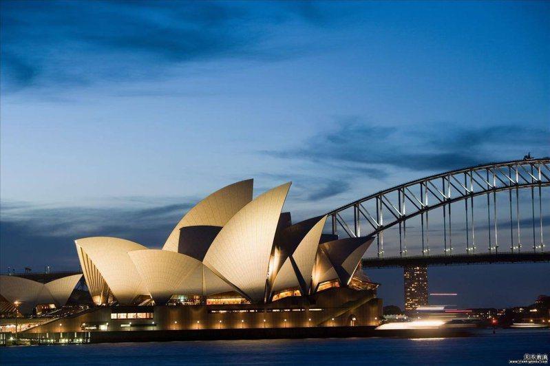 暴雨十日襲擊澳洲雪梨和新南威爾斯州東岸,是雪梨卅年來最大降雨。 圖/搜狐新聞