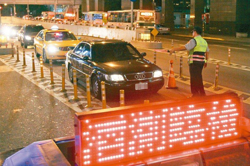 警方近來加強取締酒駕,但酒駕案仍層出不窮。(示意圖,與本件新聞無關)本報資料照片