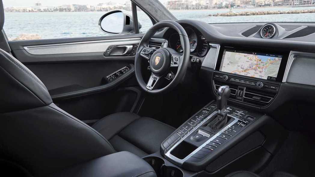 Porsche最暢銷的車款Macan將成為品牌第一個電動SUV產品,更預計在20...