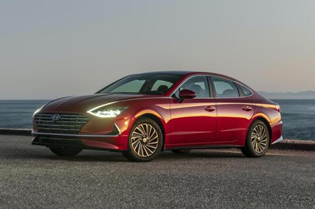 平均油耗達22km/L、太陽能車頂加持 新世代Hyundai Sonata Hybrid芝加哥車展驚艷登場!
