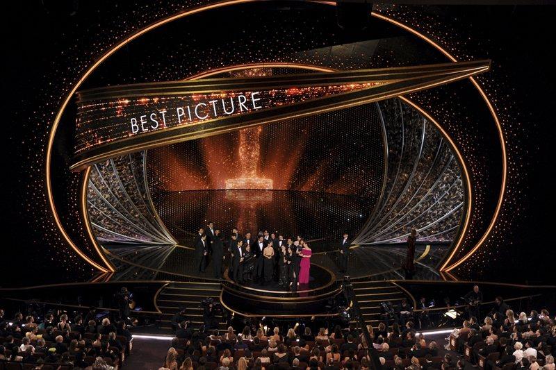 《寄生上流》是如何走上奧斯卡最佳影片的得獎舞台? 圖/美聯社