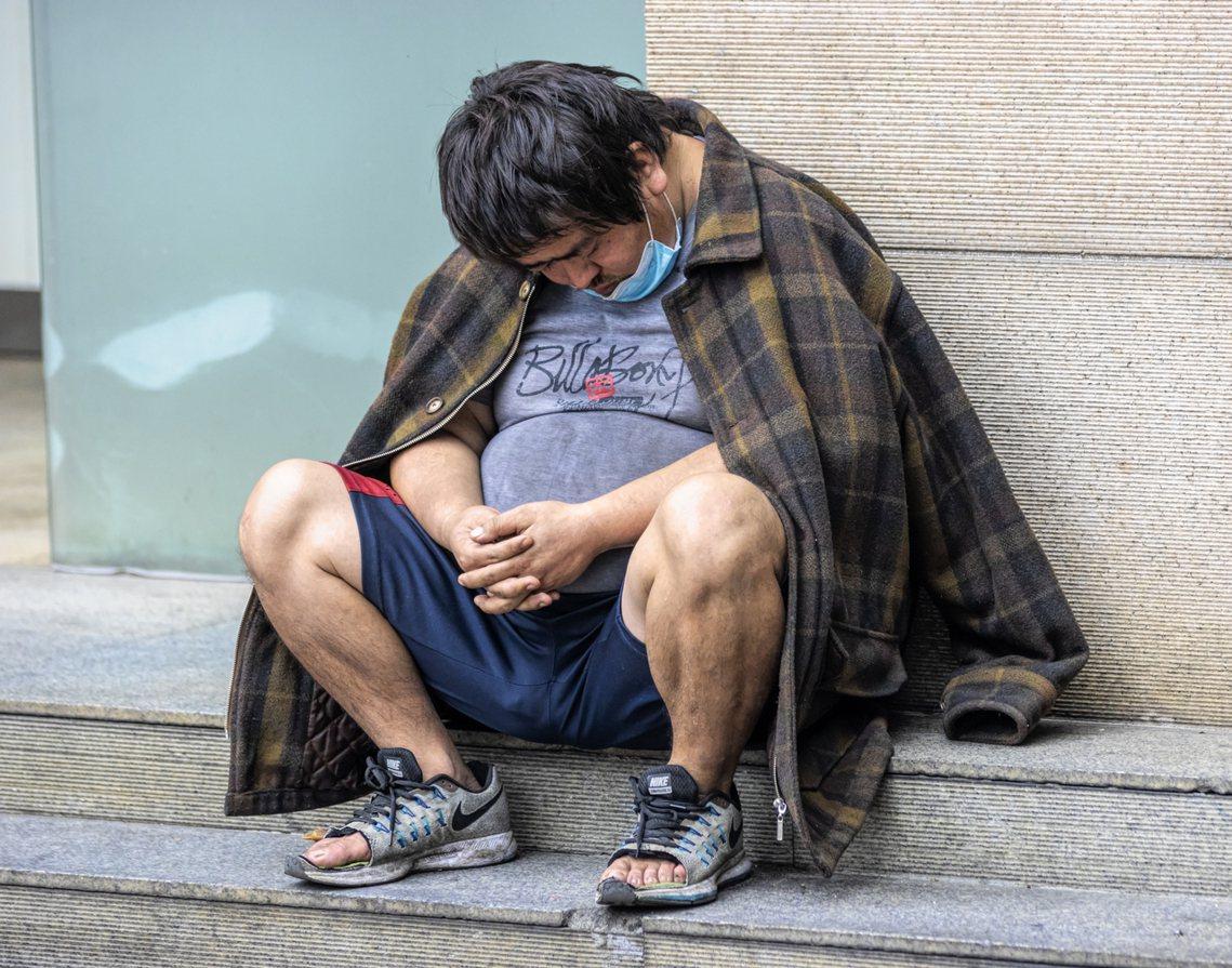 「但香港政府與人民的互信資本,早已在8個月的『反送中抗爭』中消磨殆盡...所以說...