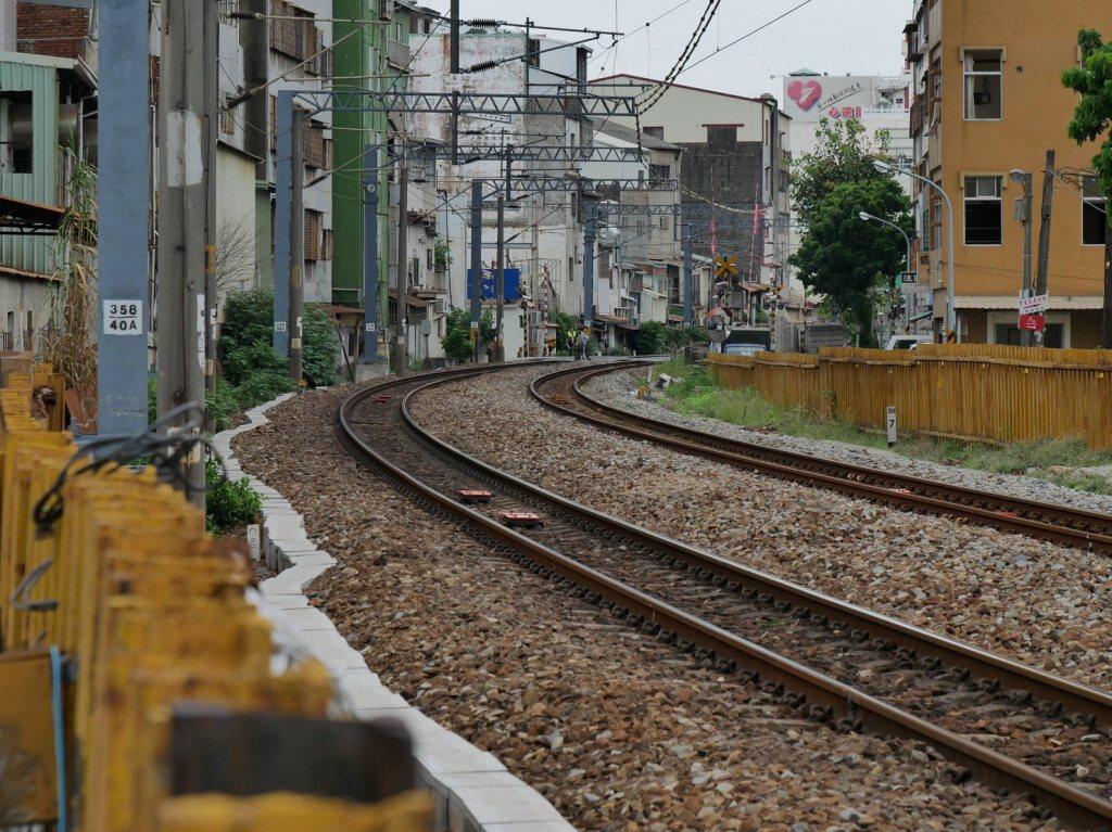 台南鐵路地下化路段一帶,有許多潛力文資恐遭剷除。 圖/台南文化守護行動提供