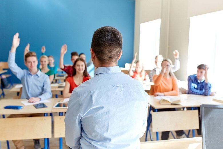 大學教授注重學生平時的累積,高中課程中的學習成果也能用來證明自己。(圖/English OK)