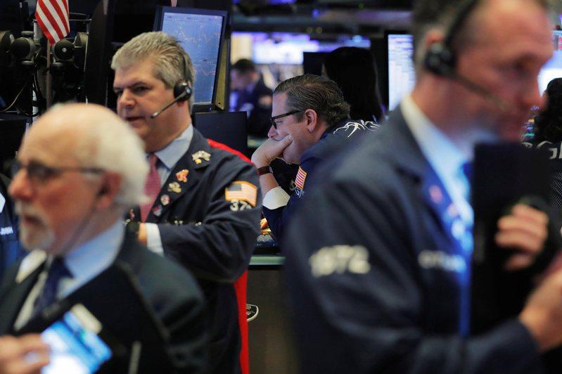 美股標普500指數和那斯達克指數周一創收盤新高。 路透