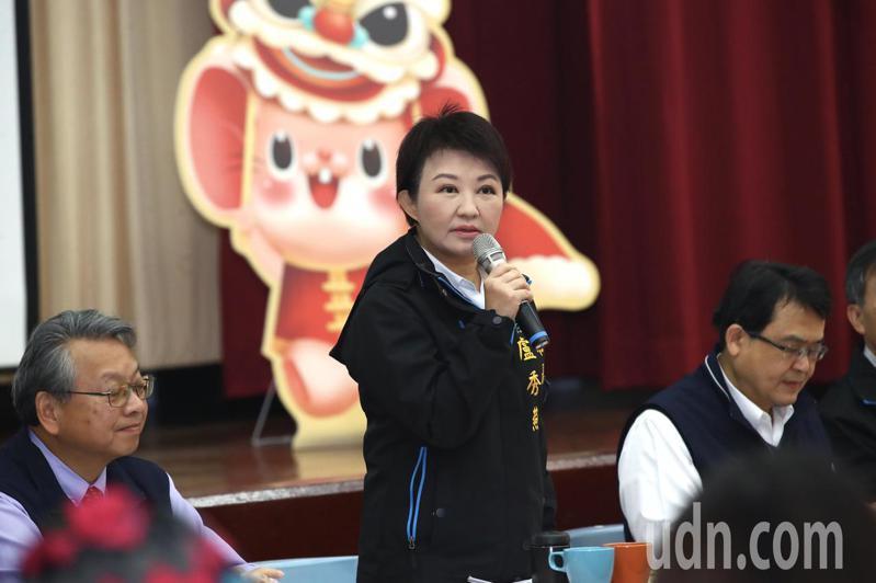 台中市長盧秀燕今早在市政會議表示,防疫不能掉以輕心,台中市目前沒有確診個案,也沒有社區疫情,台中目前仍是台灣的淨土,可以放心參觀台灣燈會。記者洪敬浤/攝影