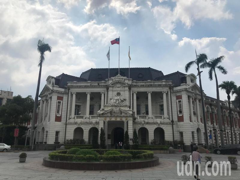 台中州廳爭取前瞻預算整建,台中市長盧秀燕今早表示,州廳整建後續當辦公廳舍使用,不會無償給中央當國美二館。記者洪敬浤/攝影