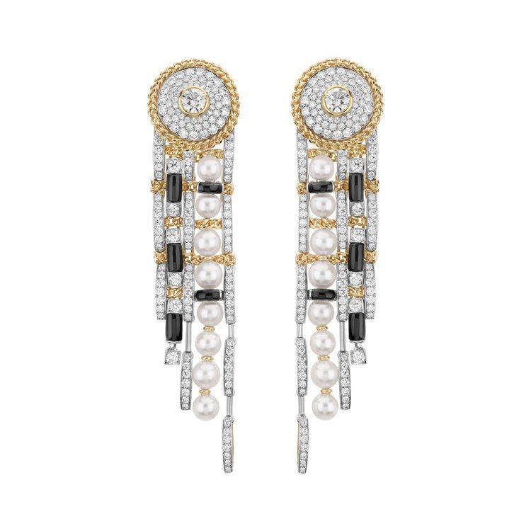 CHANEL,Tweed Contrasté耳環。橫陳交錯編織、鑲嵌的鑽石、黑瑪...