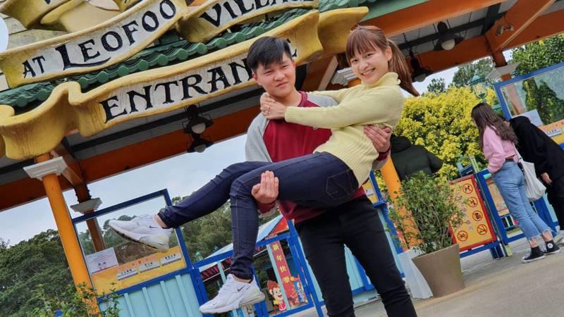 六福村推出公主抱挑戰,成功即享雙人999元的優惠。圖/六福村主題遊樂園提供