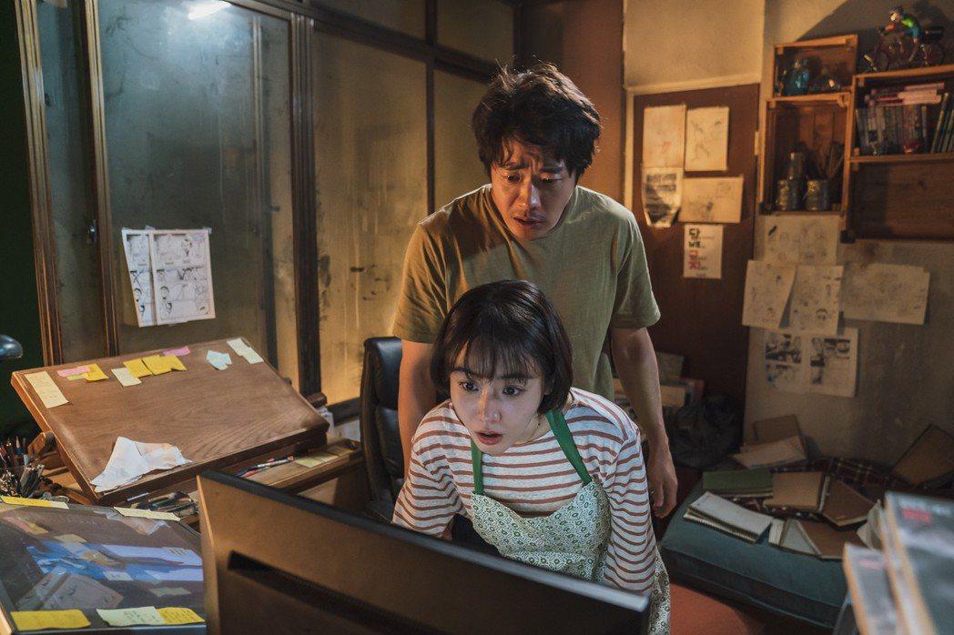 權相佑從影最爆笑動作喜劇「大畫特務」將於3月6日在台上映。圖/甲上提供