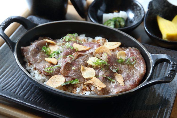 A5和牛燒肉捲御飯。記者陳睿中/攝影