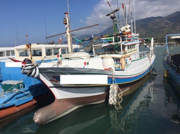 負責海上接運海洛因磚的漁船被查扣。圖/翻攝屏東地檢署網站