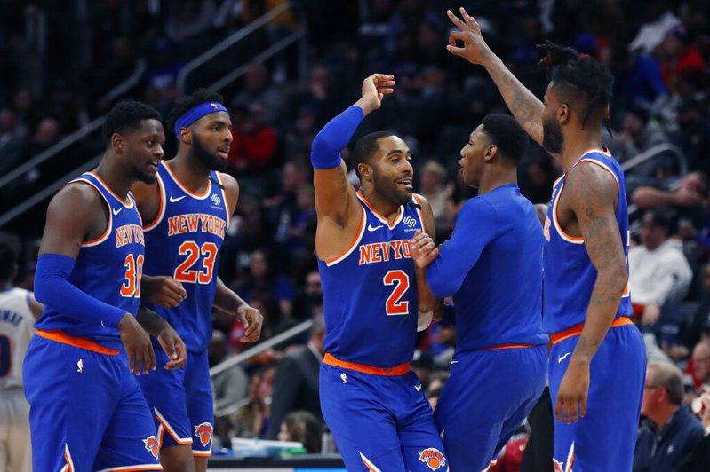 雖然戰績連年不振,但紐約尼克仍在今天「富比世」公布的球隊市值排行中,以46億美元的天價連續五年高居聯盟之冠。 美聯社